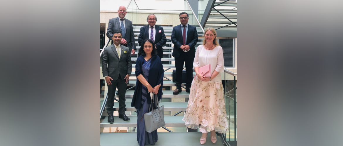 Ambassador of India to Germany Mrs. Mukta Dutta Tomar met with the senior representatives of Indian companies in Hessen and North Rhine-Westphalia and discussed the prospects of enhancing business ties between India and Germany in IT and manufacturing sector.